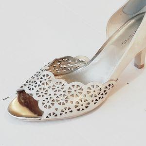 New! Bandolino Champagne Heel
